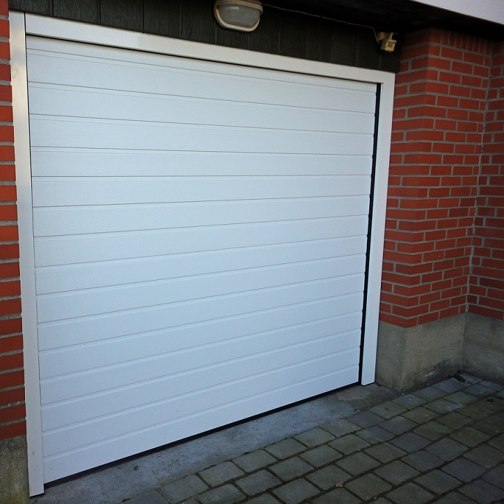 Alutech 45mm Insulated Sectional Garage Door Ribbed